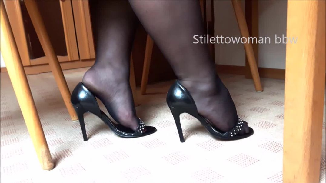 Black Heels with black Nylons, Stilettowoman bbw