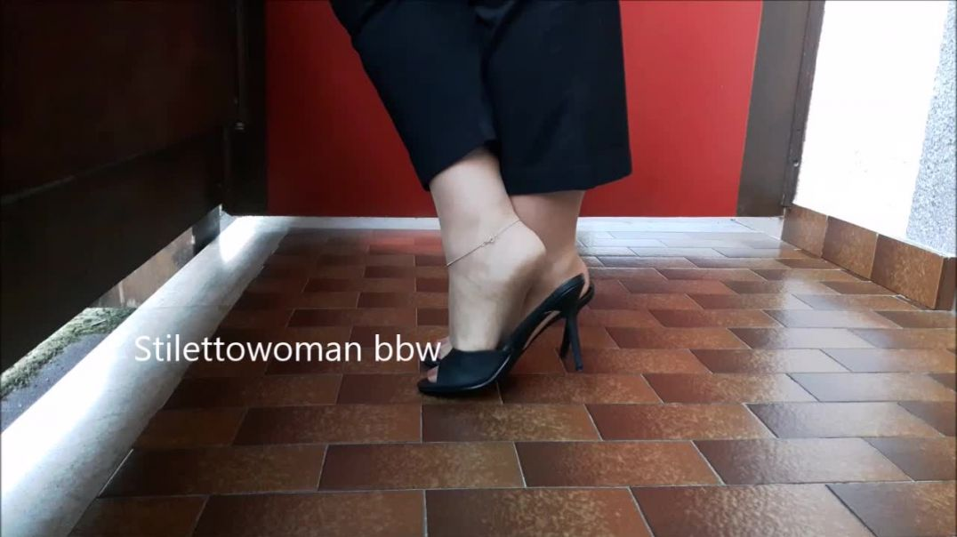 10cm Pleaser Mules, tan Nylons, shoeplay,