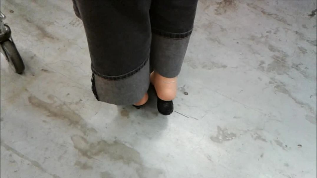 shopping black mules, stilettowoman bbw