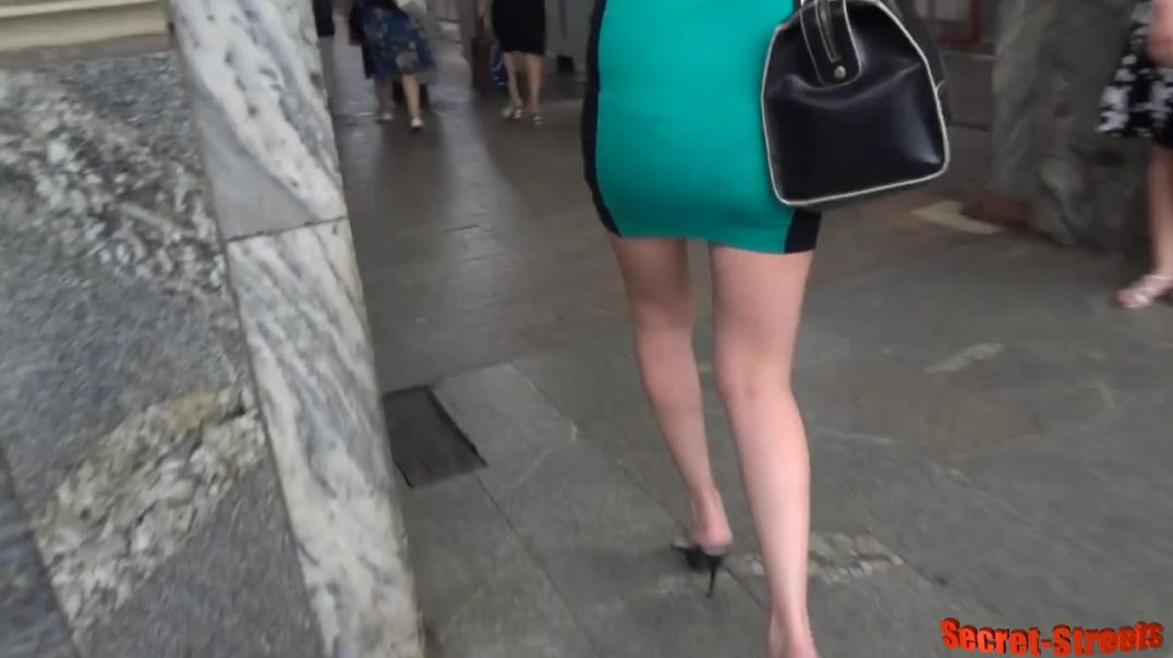 Street Candid  - Russian Lady with Squashed Slings
