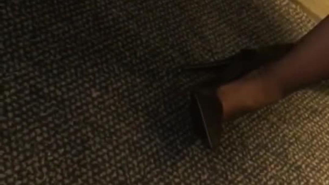 Super_hot_flight_attendant_2_legs_heels_face.mp4