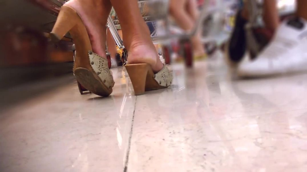#0015 Candid Sexy Wooden Mules (Zoccoli) at the Super Market by Forest Feet