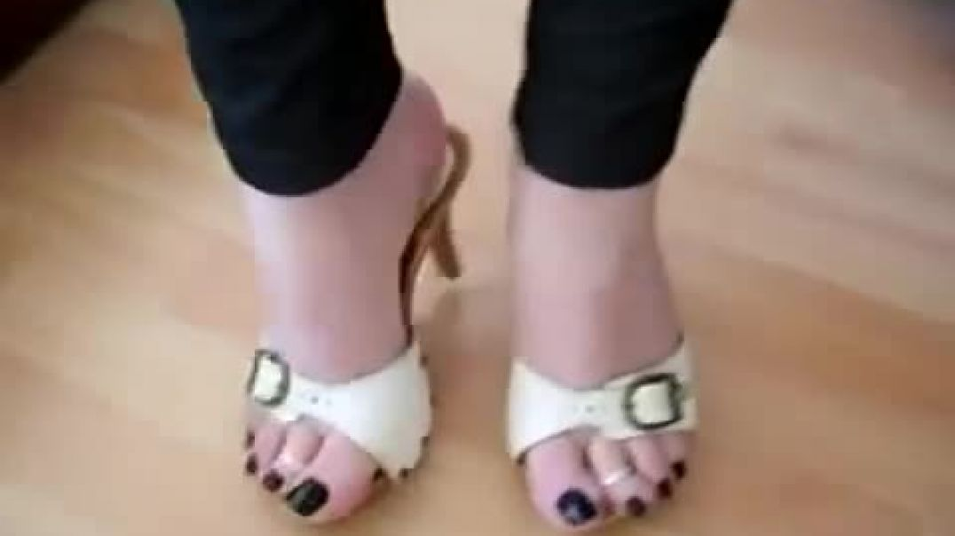 ZOCCOLI WHITE HEELS BLACK TOES