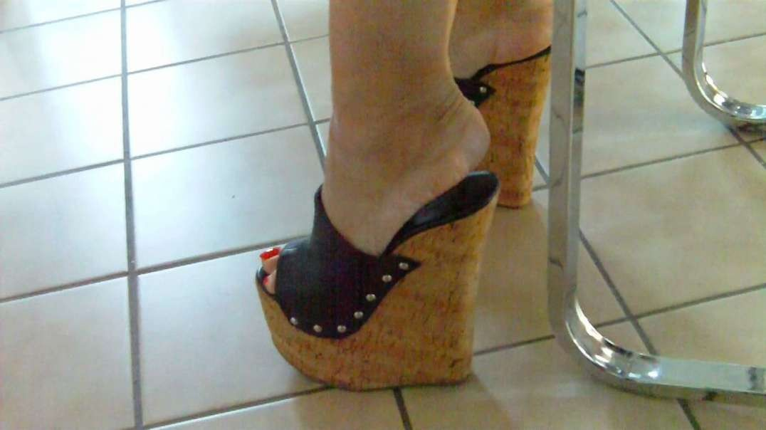 Cork Wedges (18cm) (2) barefoot at home