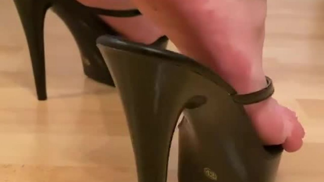 Black Heels With French Pedicure (heelsaddictedwife)