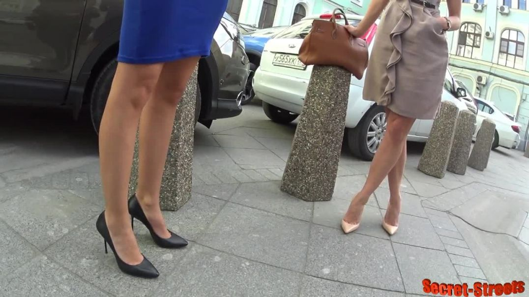 Street Candid  - Russian Ladies in High Heels