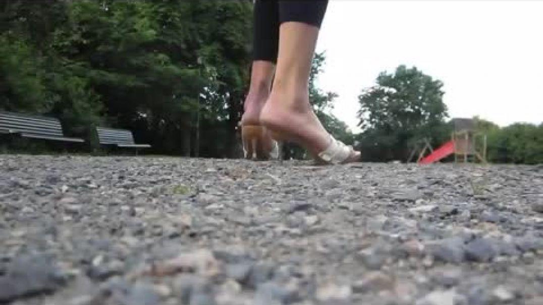 Street Candid - Sexy Mules Fetish Zoccoli