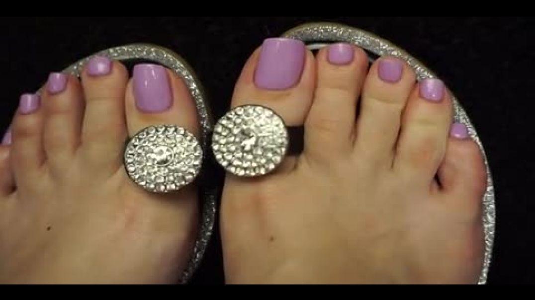 3.13 TOELOOP - green nails & silver toeloop sandals posing 240