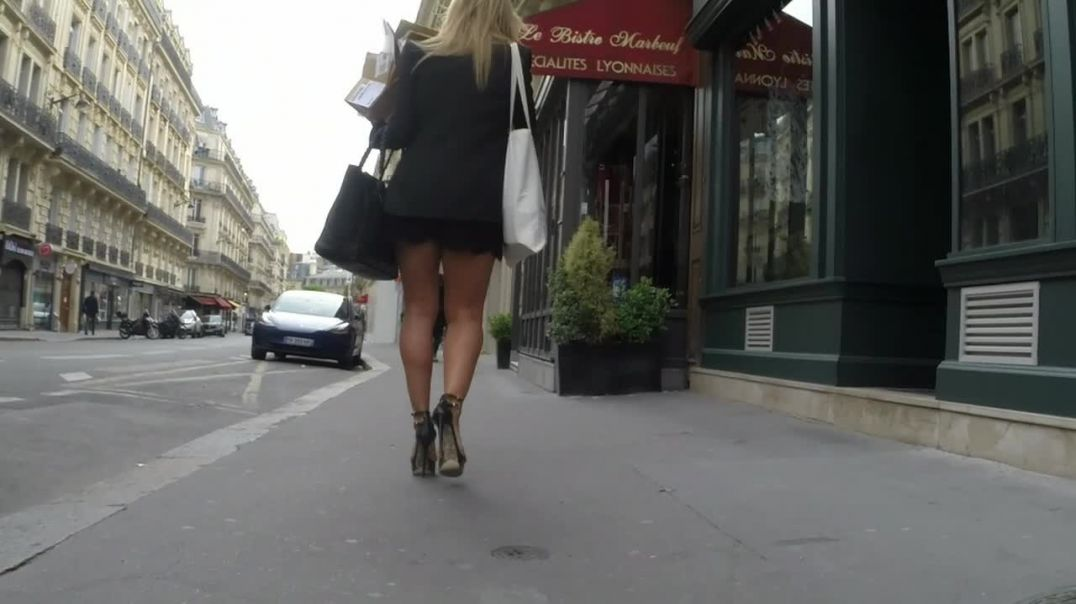 Street Candid  - French MILF coming back from Shopping in sexy High heeled Strappies