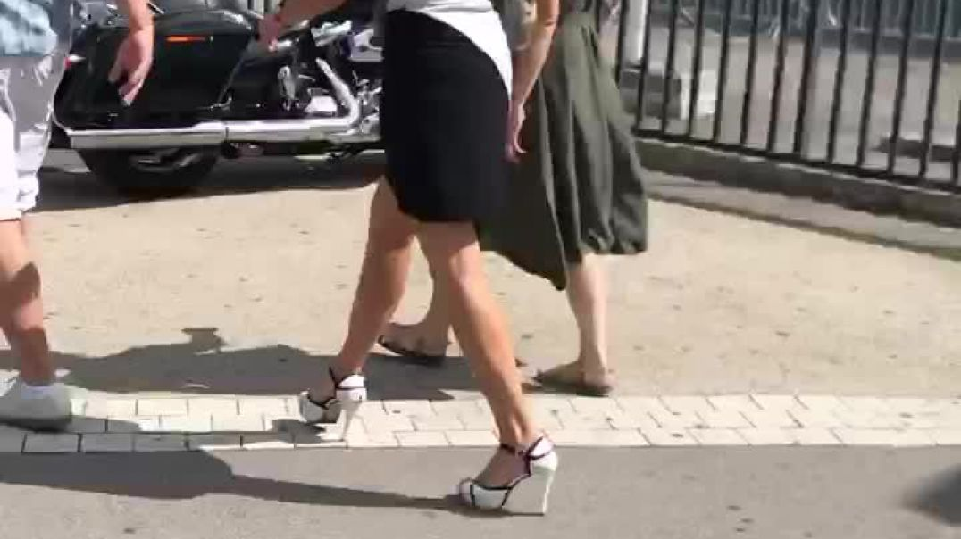 Street candid milf in sexy stiletto  high heels