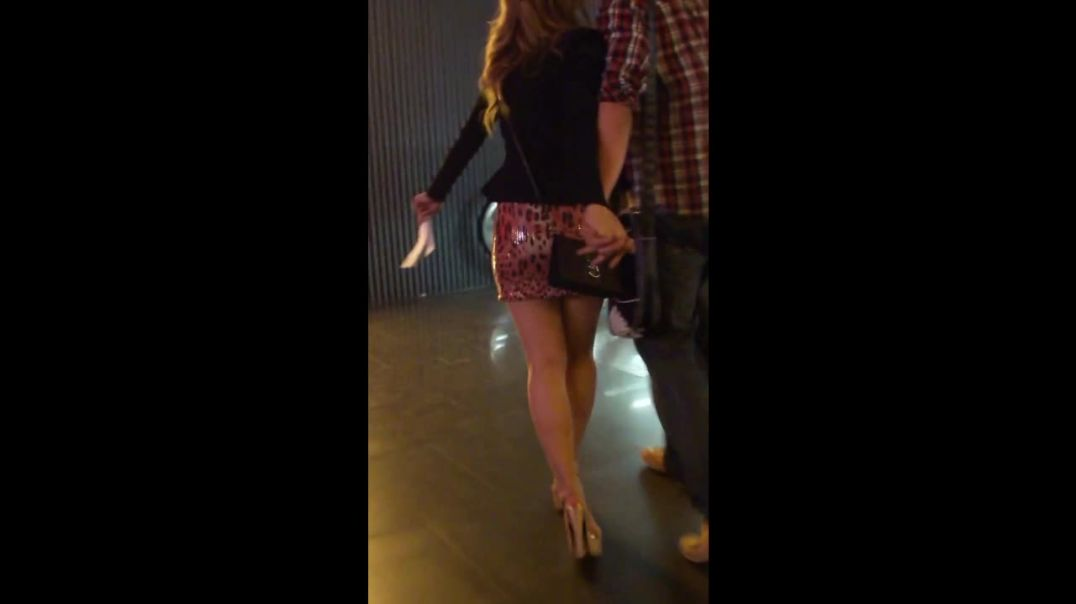 Sexy Teen with High-Heels on a Nightout