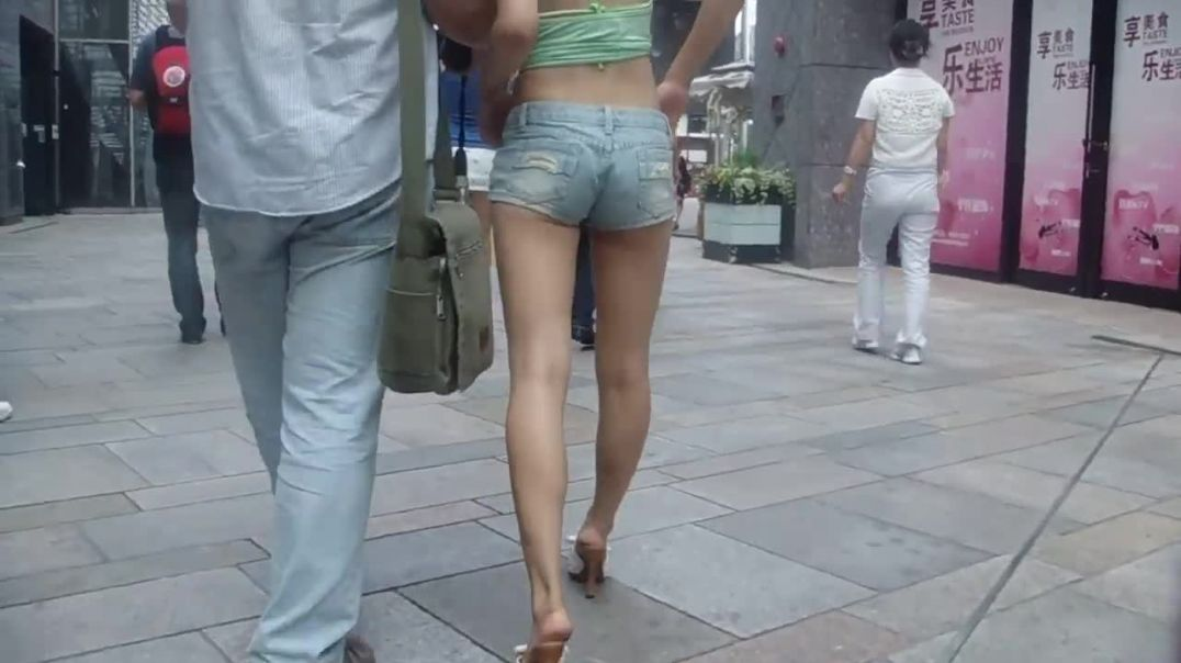 Street Candid - Asian Girl in Hotpants and Mules