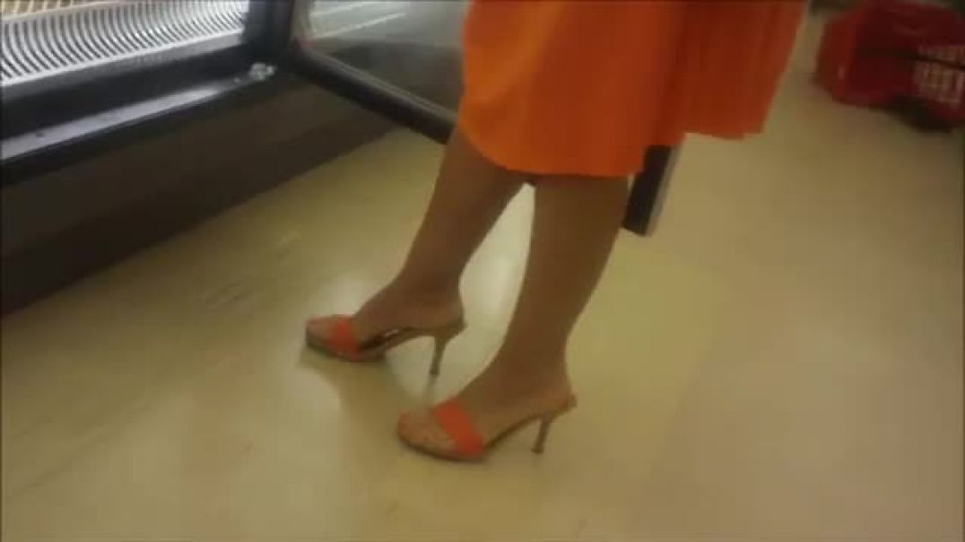 Street Candid  - Greek MILF shopping at Supermarket in Mules