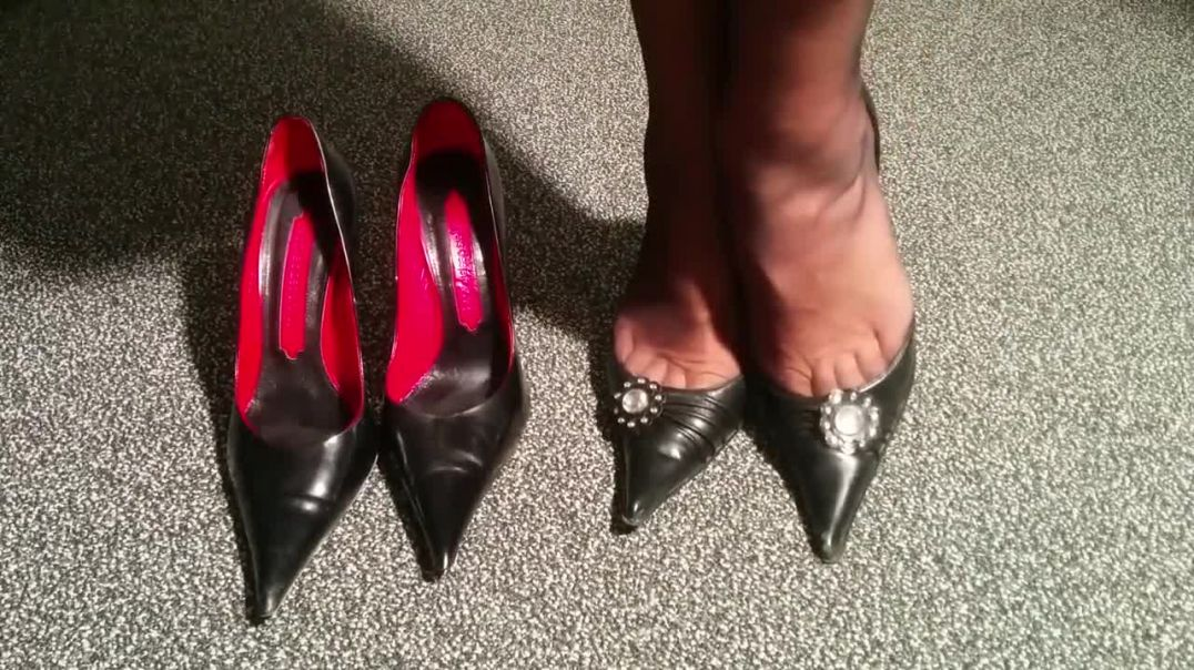 Change of High Heels - Toecleavage