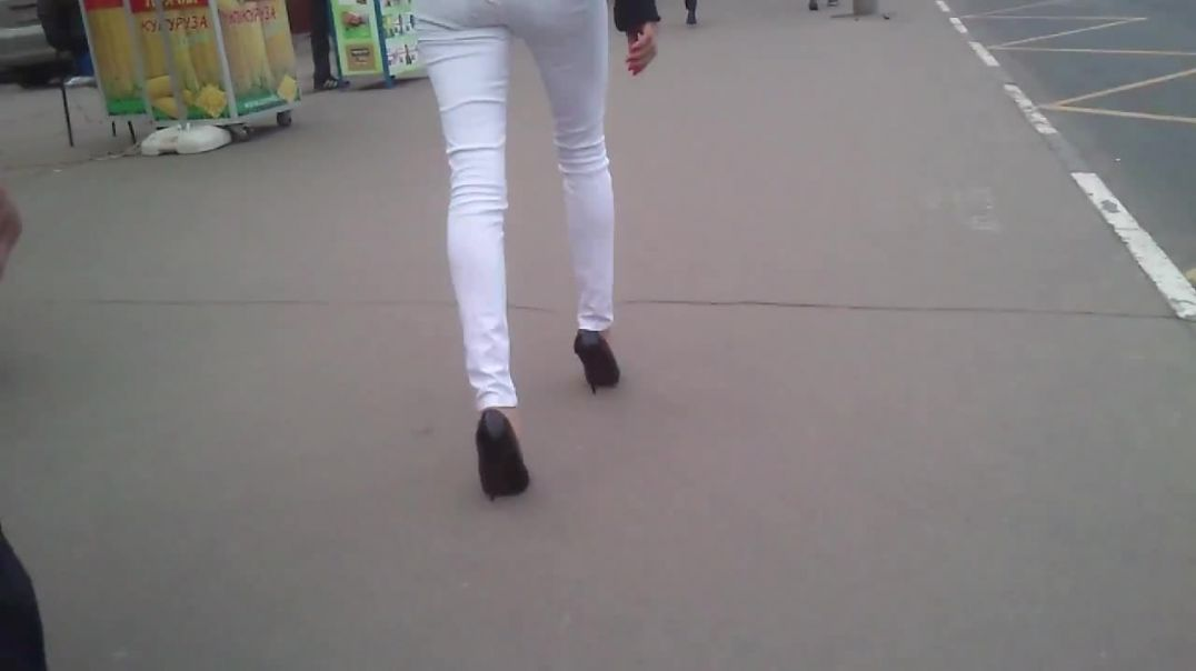 Awesome high heels and white jeans