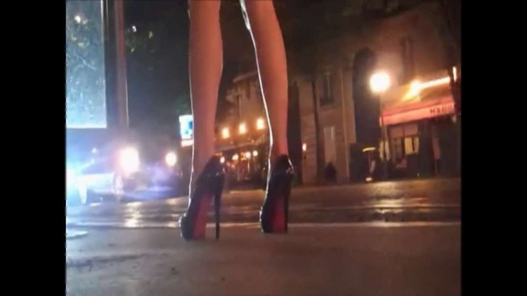 Touch Ass: Pretty Blonde red dress hot high heels louboutins