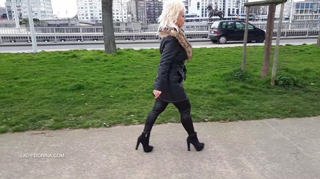 Lady Dorina in the city_SN