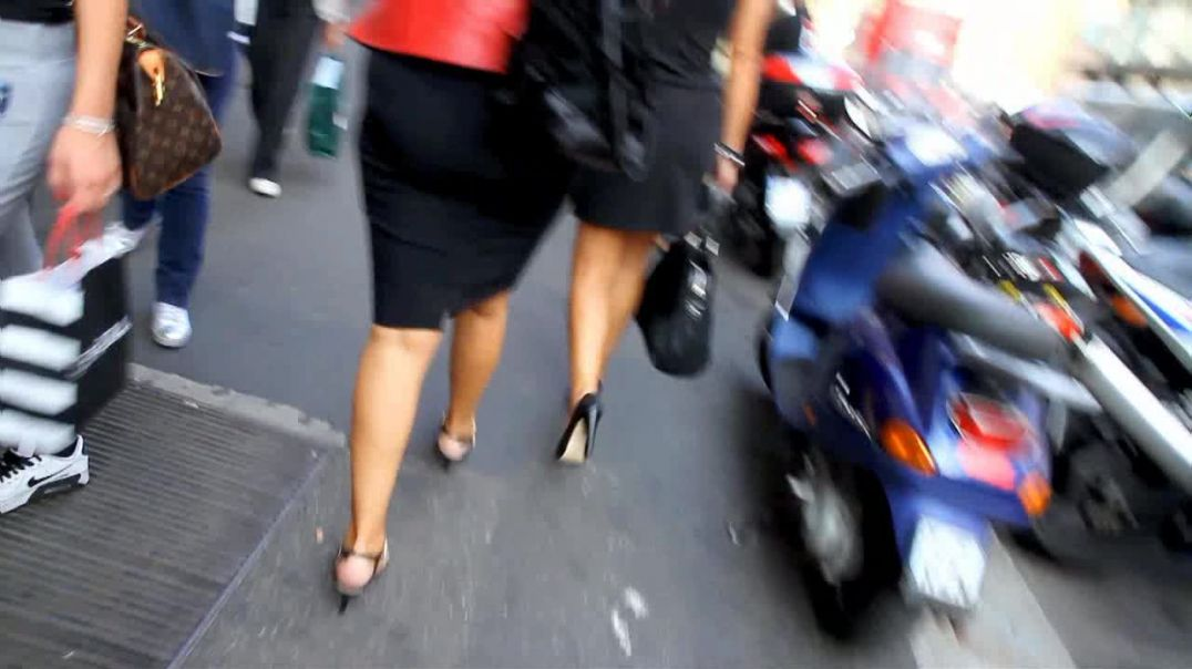 Street Candid - 2 sexy MILFs in High Heels by Digital Hunter aka  Choolover