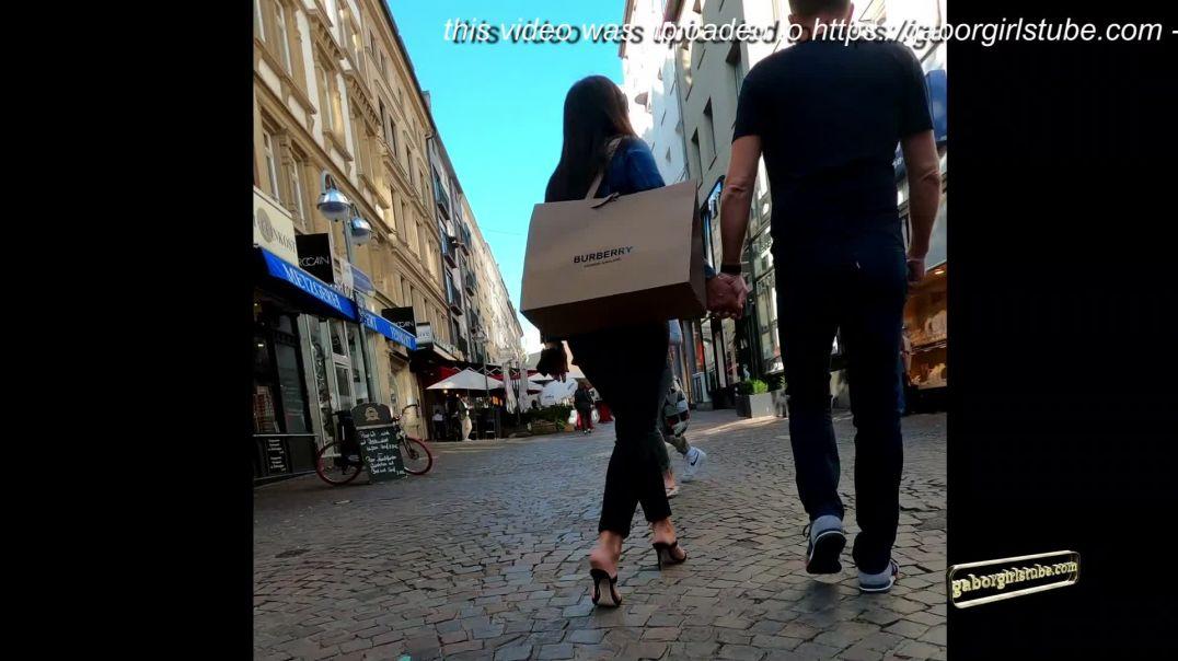 Gaborgirlstube Street Candid  - Burberrry MILF in Mules  鞋控 足控 高跟鞋控