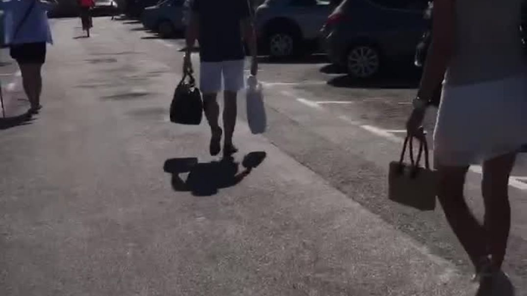 Mix of candid Milf  walking with wedges in St tropez (paradise for High heels fetishist)