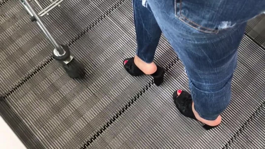 Supermarkt Shopping with my favorite High Heel Mules by Lady Kim