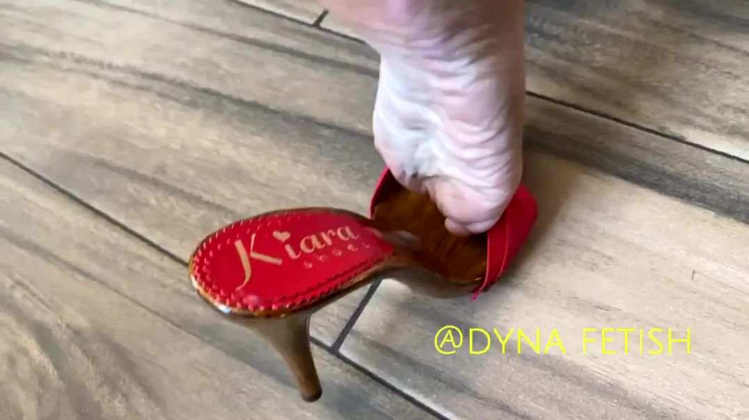 Walking in Cum with Kiara Mules by Dyna Fetish
