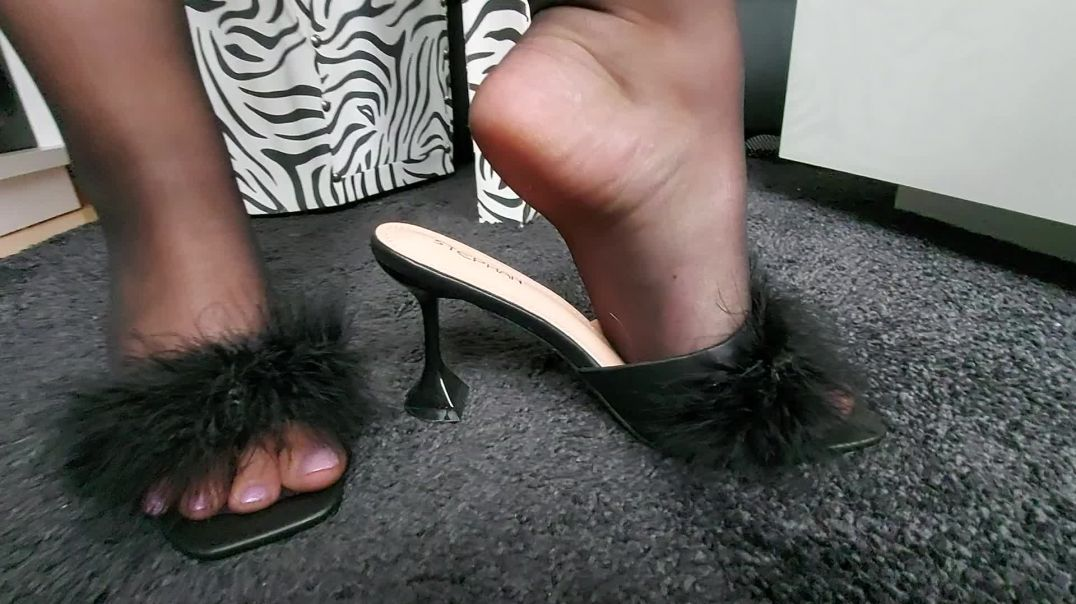 sexy pipa changes shoes in pantyhose stockings - marabou slipper mules