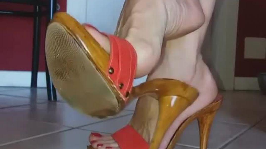 Dangling sexy KIARA Zoccoli Mules
