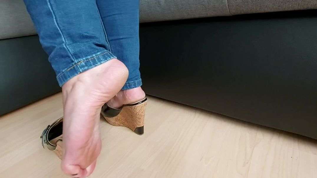 Pipa in sexy high heels wedge