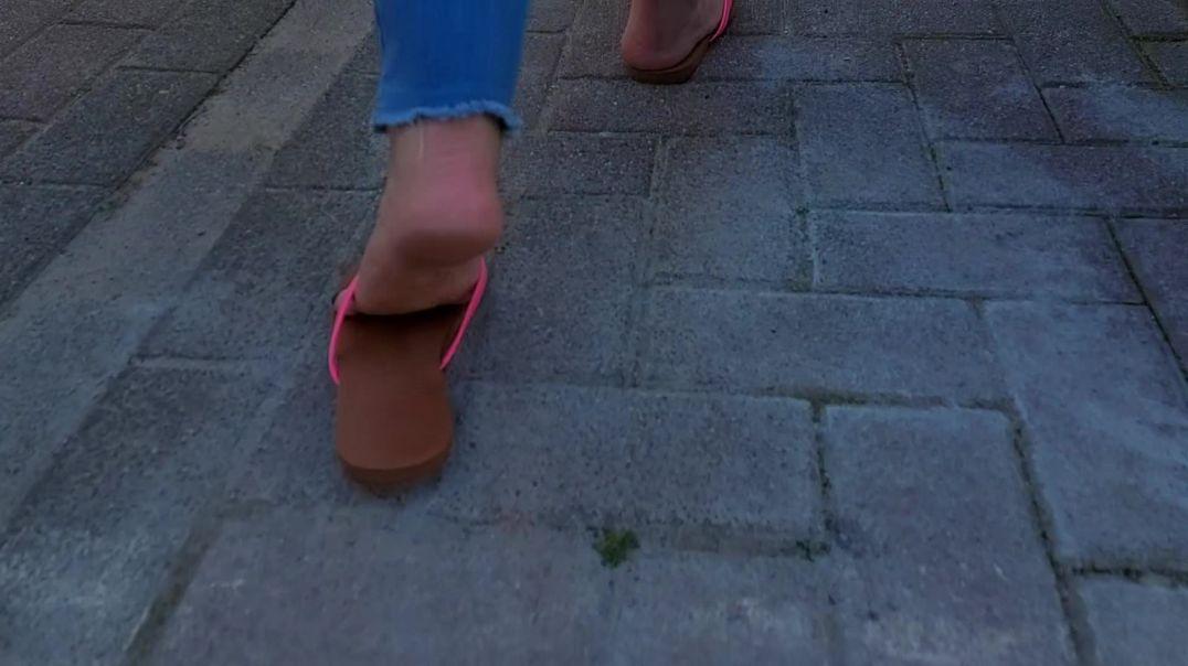 Flip flop slow mo