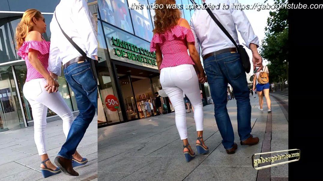 Gaborgirlstube Street Candid  - Sexy Latina with moving Booty