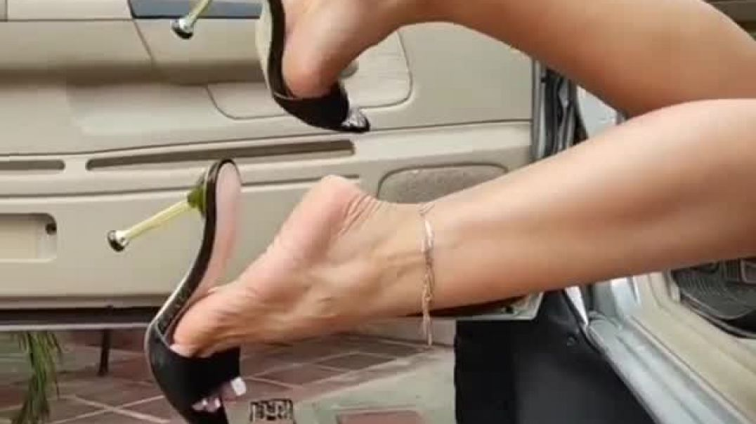 Sexy teasing in the car - mules dangling - long legs, hot feet with anklet