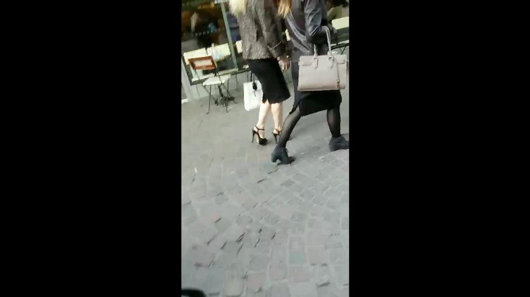 blonde in black platform sandals